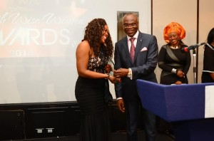 pastor-clem-esomowei-presents-exceptional-woman-award-to-nancy-laggah